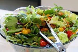 zdrowa sałatka z warzyw