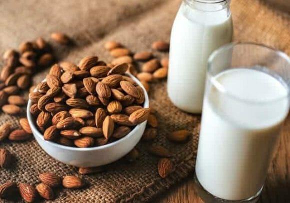 Migdały i mleko