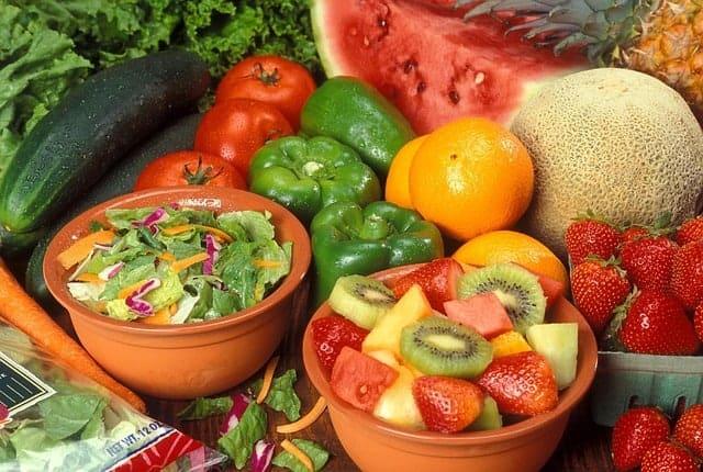 dieta przeciw żylakom - warzywa i owoce