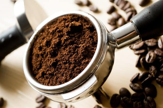 łyżka mielonej kawy